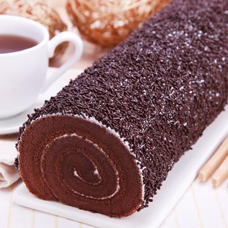 瑞士巧卷香甜巧克力米與綿綿蛋糕體製作而成,香綿巧克力戚風蛋配上巧克力米,喜愛巧克力細膩的口感層層巧克力香味喜愛巧克力蛋糕強力推薦