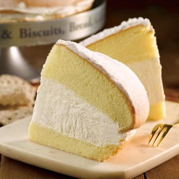 波士頓派就是戚風蛋糕的變化版, 喜歡波士頓派的朋友強力推薦,鬆軟蛋糕體搭配甜度適中口感清爽的鮮奶油所製成的波士頓派
