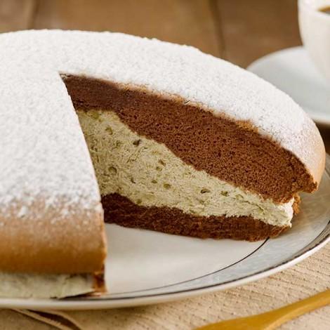 巧克力蛋糕與清爽綠豆奶油內餡,巧克力綠豆派,綠豆和鮮奶油,巧克力戚風蛋糕,清爽內餡,鬆軟巧克力蛋糕與清爽綠豆奶油內餡製成,台灣嚴選綠豆與蛋糕做的巧克力派,波士頓派,綠豆巧克力波士頓派